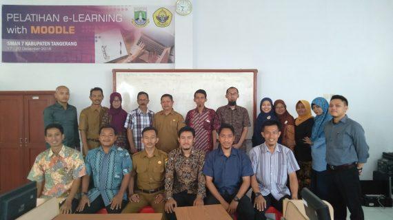 Training E-Learning di SMAN 7 Tangerang